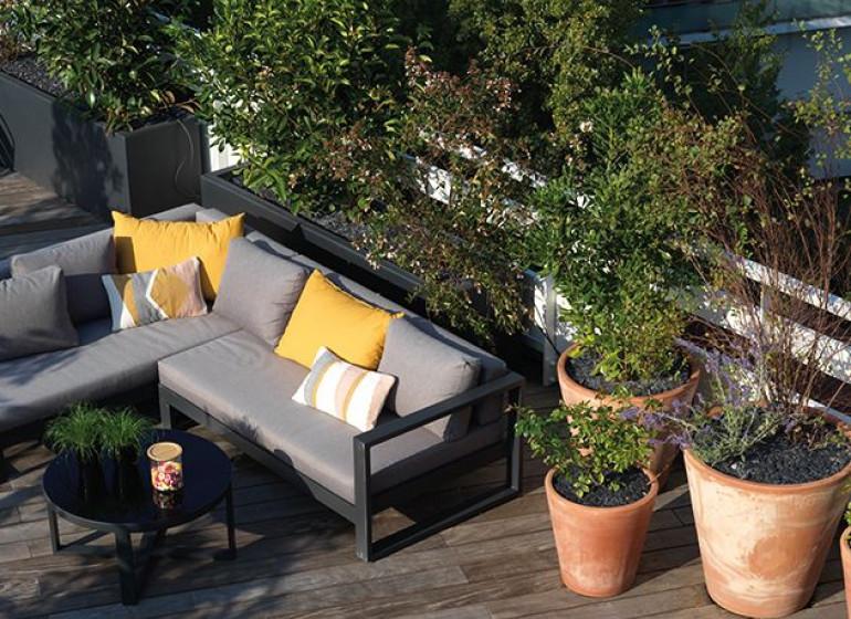 terrasse-rooftop-6-7-etage-maison-vitton-espace-detente-coin-salon-lyon