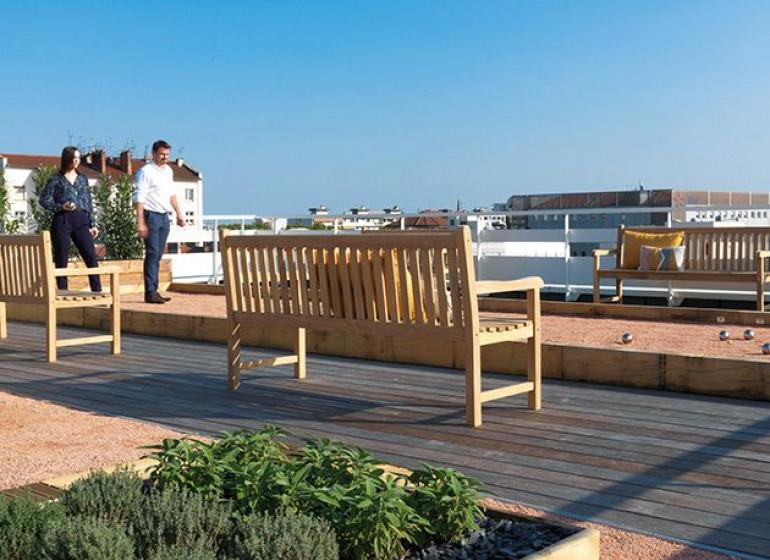 terrasse-rooftop-6-7-etage-maison-vitton-terrain-petanque-lyon